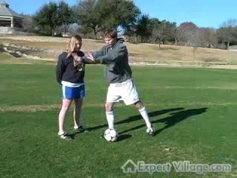 Futbol Oynamak Nasıl: Yeni Başlayanlar İçin Hamle Futbolda Top Sürme