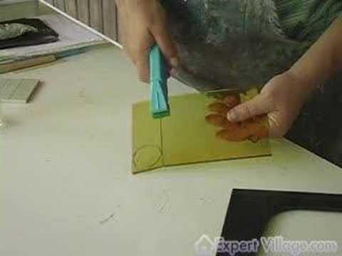 Nasıl Mozaik Cam Sanatı Yapmak: Kesme Cam Karo Mozaik Bir Proje İçin Yapılır