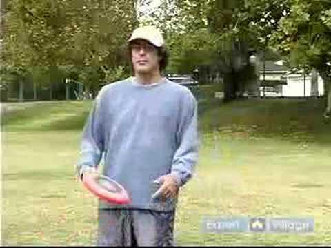 Nasıl Disk Golf Ve Frisbee Futbol İçin Bir Frizbi Atmak: Nasıl Bir Frizbi Bacak Altında Atmak