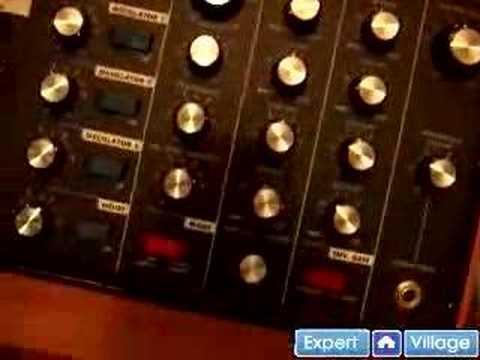 Nasıl Analog Synthesizer Ve Vintage Klavye Oynanır: Ücretsiz Online Müzik Dersleri: Analog Synthesizer Dijital Klavyelerden Farklı Nasıl