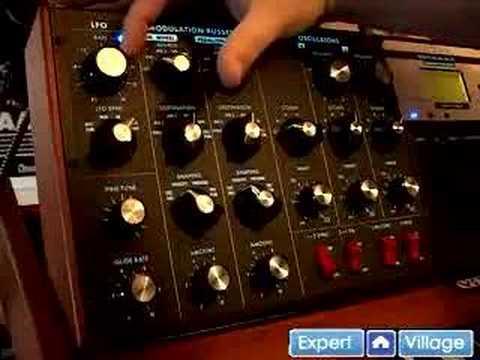 Nasıl Analog Synthesizer Ve Vintage Klavye Oynanır: Ücretsiz Online Müzik Dersleri: Düşük Frequecy Osilatör Bir Analog Synthesizer Veya Modüler Klavye Kullanarak