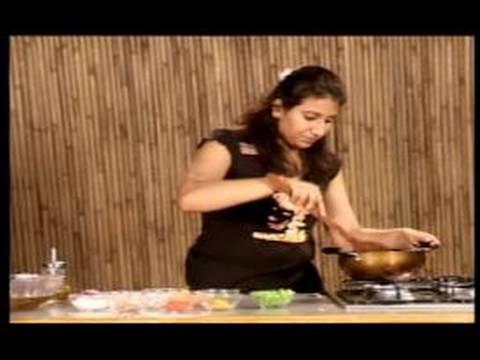 Sebzeli Hint Tarifler : Hint Patlıcan Tarifi İçin Soğan Ekleyin
