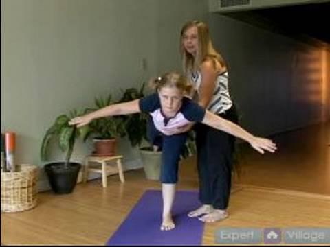 Çocuklar İçin Yoga Ve Meditasyon Öğretmek İçin Nasıl : Havayolu Yoga Poz Çocuklara Öğretmek İçin Nasıl
