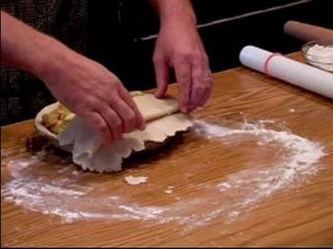 Akçaağaç Elmalı Turta Tarifi : Yerleştirme Akçaağaç Elmalı Turta Pasta Üstüne Kabuk