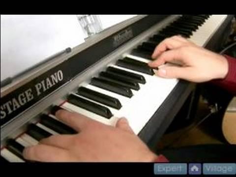 Db Büyük Sahte Defteri : Piyano Üzerinde Tam Bir Kompozisyon Oynuyor