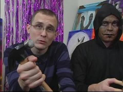 Nasıl Bir Cin Halloween Kılık Yapmak: Aksesuarlar Cin Halloween Kılık İçin Ekleme