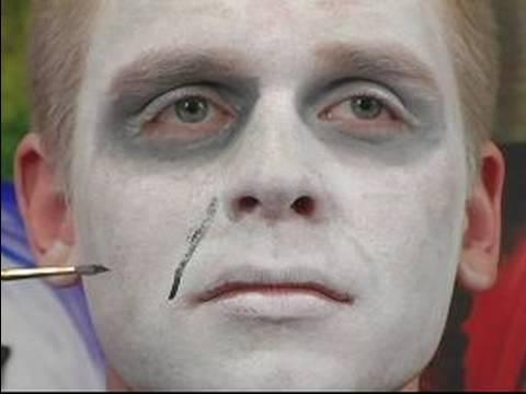 Vampir Halloween Makyaj İpuçları Ve Talimatlar: Vampir Cadılar Bayramı Makyaj İçin Gülmek Satırlar Vurgulayan