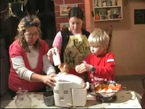 Nasıl Çocuklar İle Yemek Yapmak : Güvenlik & Çocuklarla Mutfak Aletleri Kullanarak
