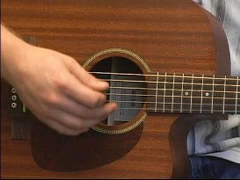 Yeni Başlayanlar İçin Gitar Temelleri: Temel Tıngırdatmaya Gitar