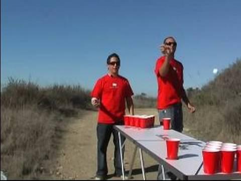 Nasıl Bira Pong Play: Bira Pong Topları Arka Kuralı İle Oynamak
