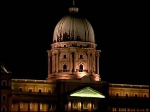 Budapeşte, Macaristan'da Yapmam Gerekenler: Gece Hayatı: Budapeşte'kraliyet Sarayı Ziyaret