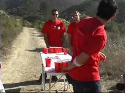 Nasıl Bira Pong Play: Bira Pong Arka Plan İle Oynarken Arka Kural
