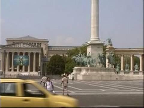 Metro Budapeşte, Macaristan İçin Sürme: Budapeşte Metro Üzerinde Hosok Tere (Kahramanlar Meydanı)