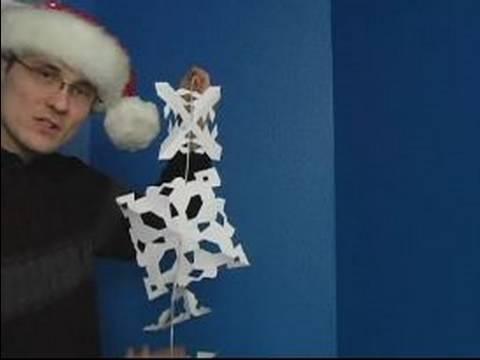 Nasıl Kağıt Kar Taneleri İçin Noel Süsleri Yapmak: Kağıt Kar Taneleri Bir Duvara Asmak İçin Nasıl