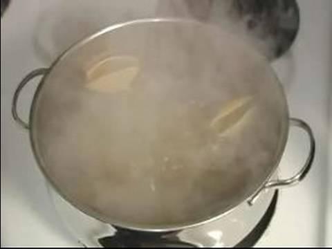 İtalyan Doldurulmuş Kabuklar Tarifi Talimatları: Kabukları İçin İtalyan Doldurulmuş Kabukları Yemek.