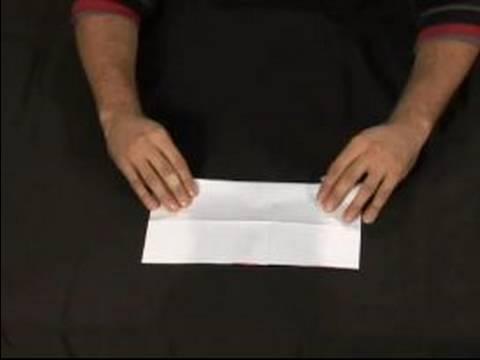 Nasıl Bir Origami Gül Yapmak: Bir Origami Gül Yapmak İçin Diğer Tarafa Katlama