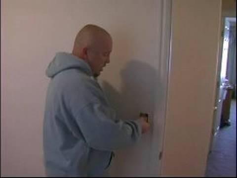Nasıl Duvar Boya İçin: Duvar Boyamak İçin Çıkışları Maskeleme