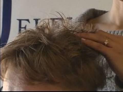 Nasıl Bir Adamın Clipper Saç Kesimi: Bir Adamın Clipper Saç Kesimi İçin Şampuanlama