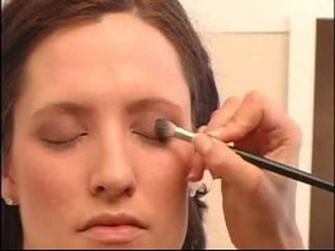 Nasıl Fotoğraf Çekimi Makyaj Uygulamak İçin: Fotoğraf Çekimi Makyaj Kırışık Gölge Uygulama