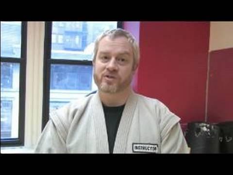 Nasıl Sambo Dövüş Sanatları Yapmak İçin : Sambo Dövüş Sanatları Açık Bir El Grev Yapıyor