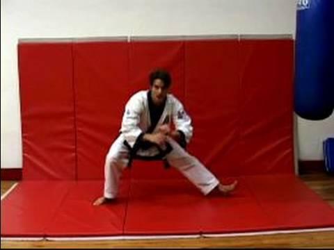 Nasıl Yapmak Kadar Sumit Tutumları: A Bacak Germe Egzersiz Dövüş Sanatları İçin