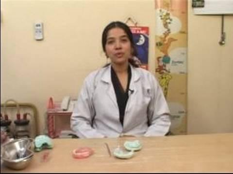 Bebek Diş Çıkarma Belirtileri Ve Yardım: Bebek Diş Çıkarma Belirtileri