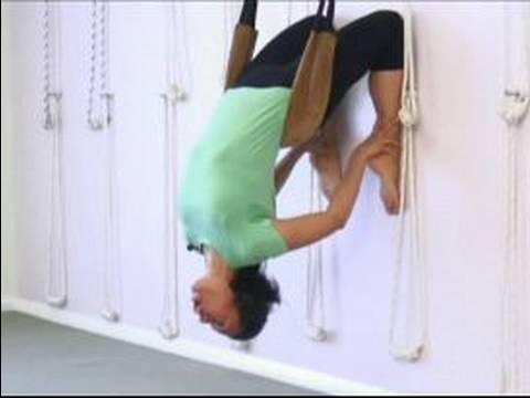 Gelişmiş Yoga Poses: Duvar Halatlar İçin Yoga Uzanıyor