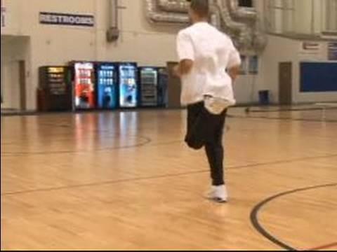 Nasıl Profesyonel Basketbol Oynamak İçin : Popo Tekme Ve Basketbol Uzanır