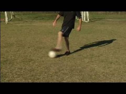 Futbol Top Sürme Hamle: Gerçek Futbol Hareket Döndürmek İçin Sahte Döndür