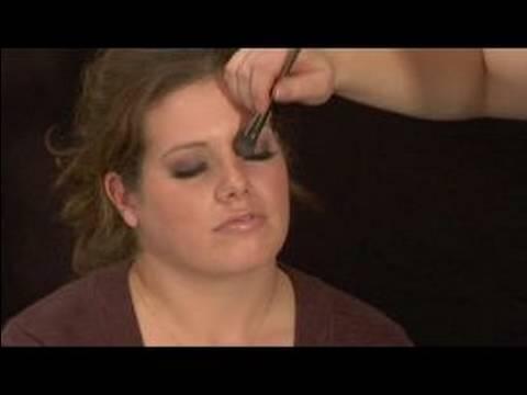 Nasıl Yanlış Eyelashes Uygulayın: Göz Farı Uygulamak İçin Yanlış Eyelashes