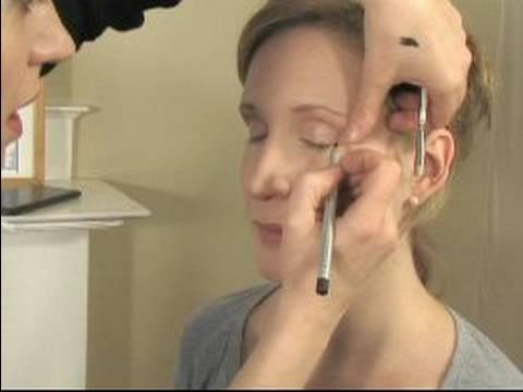 Nasıl Gelin Makyaj Uygulamak İçin: Göz Kalemi İçin Gelin Makyaj