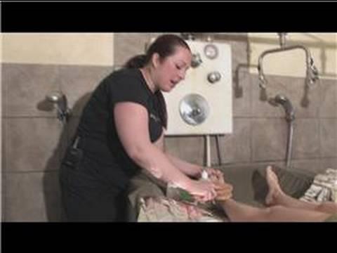 Nasıl Spa Vücut Sargısı Vermek : Vücut Sargısı Önce Bir Vücut Fırçası Kullanarak