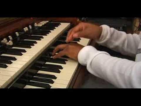 Hammond B3 Minör Akorları: Hammond B3 İpuçları: Küçük Chords İlk İnversiyon