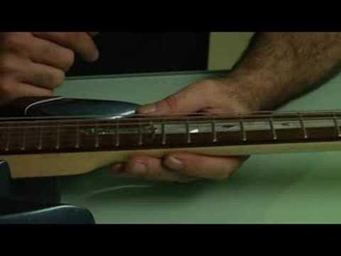 Bir Elektro Gitar Up Ayarlama: Elektro Gitar Eylem Ayarlama