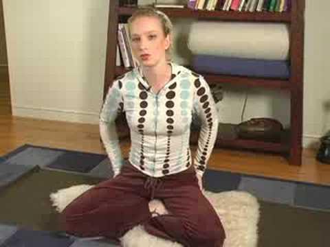 Yoga Uykusuzluk İçin Teşkil Etmektedir: Uykusuzluk İçin Yoga Kolay Poz