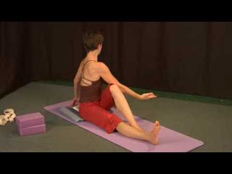 Yoga Pozlar Oturmuş : Yoga Oturmuş Büküm Poz
