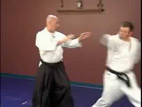 Tekme Savunma: Orta Aikido Teknikleri: Bir İplik Geri Tekme Karşı Kubishime: Orta Aikido Teknikleri