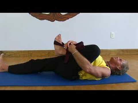 Sağlıklı Yaşam İçin Yoga Egzersizleri: Yoga Sol Alt Arka Uzanıyor