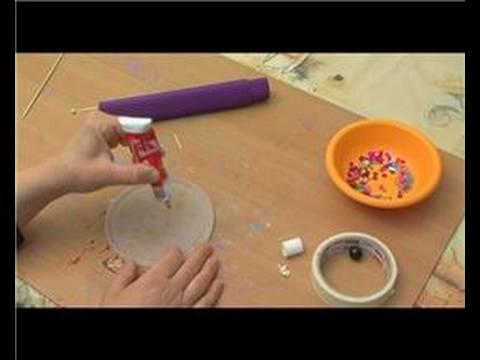 Nasıl Bir Kaleydoskop Yapmak: Boncuk İçin Bir Kaleydoskop Kapak Yapıştırma