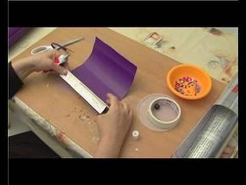 Nasıl Bir Kaleydoskop Yapmak: Kağıt Yansıtıcı Şeritler Çevresinde Bir Kaleydoskop İçin Haddeleme