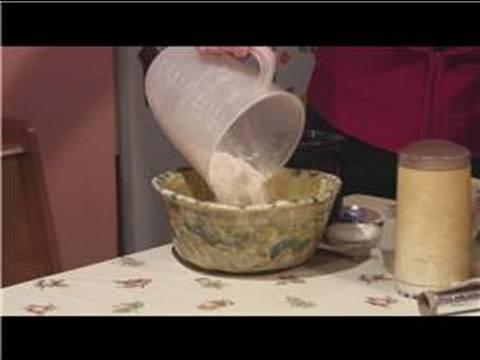 Noel Süsleme Kurabiye Pişirme İpuçları : Kase Noel Süsleme Kurabiye Malzemeler Koyarak