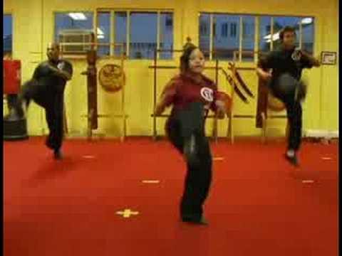 Kardiyo Kick Boks : Kick Boks Tekme Atlama Ve Çapraz Yumruk Kardiyo