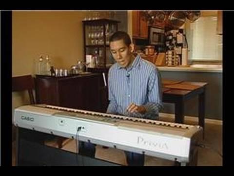 Piyano Çalan Jingle Bells :