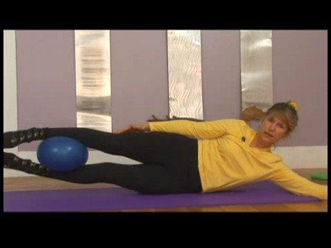 İstikrar Ball Pilates Egzersizleri: Pilates Egzersiz Topu: Yan Yalan
