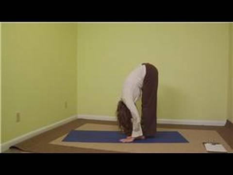 Yoga Sun Salutation Gelişmiş: Yoga Gelişmiş Sun Salutation Pozlar: Forward-Fold Uzantısı