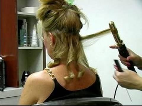 1950'LERİN Saç modelleri Nasıl 1950'lerin Saç modeli Oluştururken Kıvırmak Demir Tutmak İçin