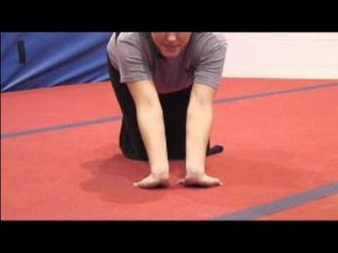 Jimnastik, Esneme Ve Isınma : Nasıl Jimnastik İçin Bir Bilek Streç Yapmak
