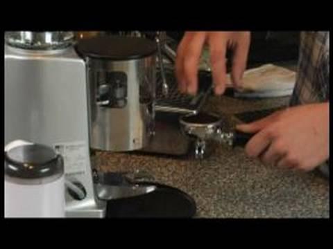 Nasıl Çift Kişilik Americano Yapmak: Espresso Nasıl Vurdu Sepeti Çift Kişilik Bir Amerikalı İçin
