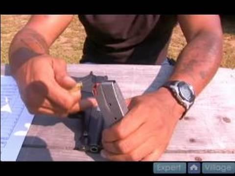 Bir Tabanca Dergisi Yükü Nasıl Silah Operasyonu Ve Güvenlik 9Mm El :