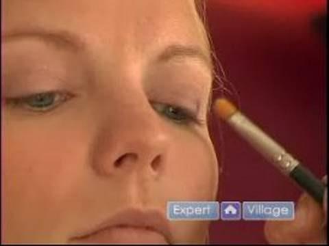 Dumanlı Gözler İçin Koyu Renk Göz Farı Nasıl Uygulanır Uygulama İpuçları Ve Teknikleri Makyaj :